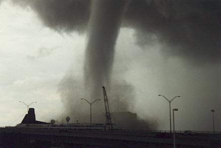 Typhoon H Pro >> Zur kurzen Erklärung